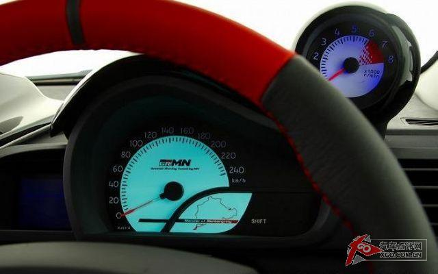 在2011东京汽车车展实拍 丰田新iq概念grmn赛车高清图片