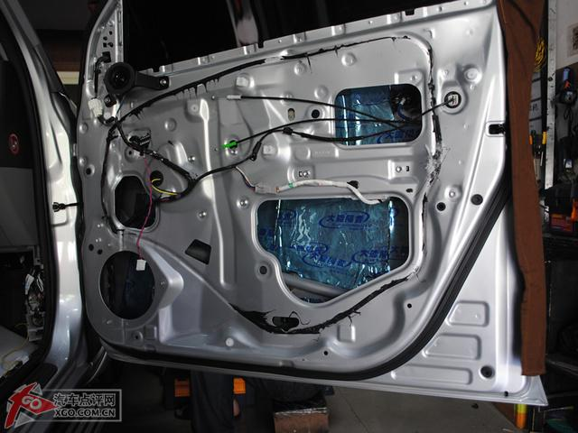 丰田RAV4音响改装高清图片