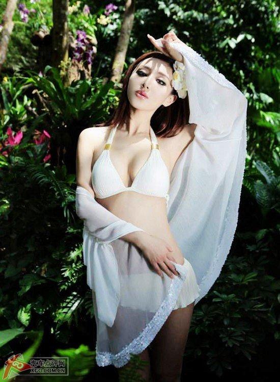 丛林美女性感陷阱迷人诱惑