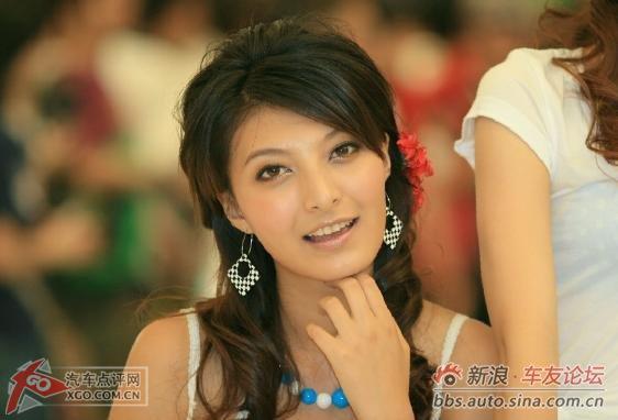 亚展台模特:周莉