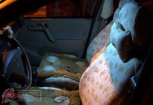 赛欧车内的阅读灯和牌照灯更换led