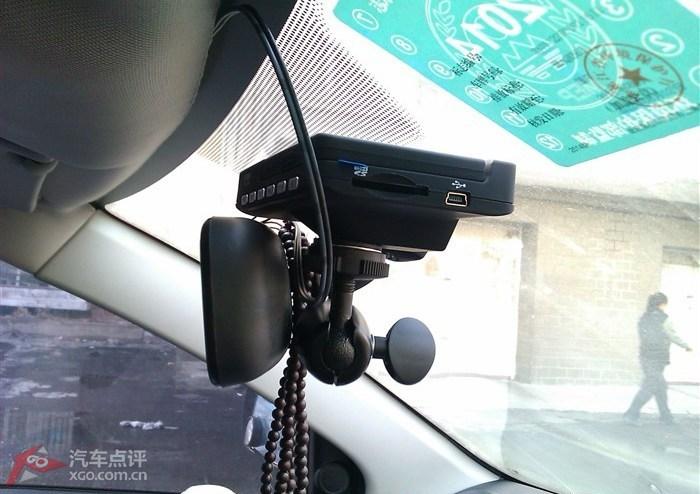 另类行车记录仪安装作业 驾驶室保险盒取电 加装延时继电器