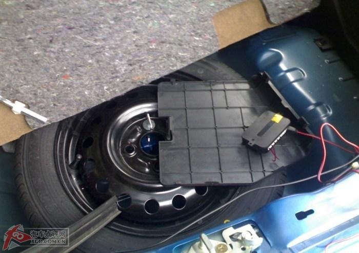 拓拓安装倒车雷达及换双蜗牛喇叭