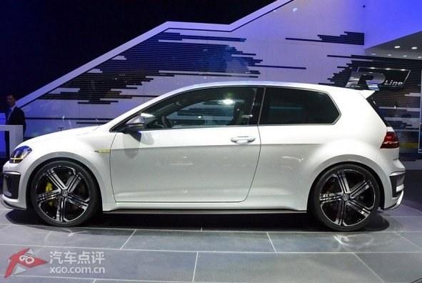 看车:大众高尔夫r400概念车型亮相北京车展