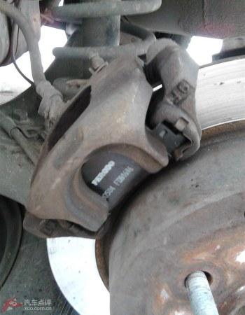 比亚迪f3自己动手为小r换后刹车片