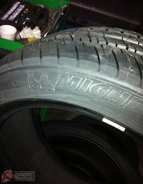 大众标志 波兰生产 米其林225 45r17 mo 奔驰专用轮胎,只能将就上图片